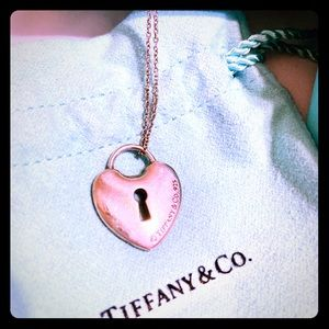 Aut. Tiffany and Co. My Heart Keyhole Necklace